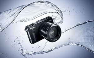 fotoapparat-popal-v-vody
